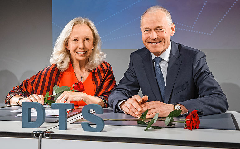 Catherine von Fürstenberg-Dussmann, Chairwoman of the Board of Trustees, and Dr. Wolfgang Häfele, Executive Board Spokesman, at the Dussmann Group Annual Press Conference on May 16, 2019 in Berlin